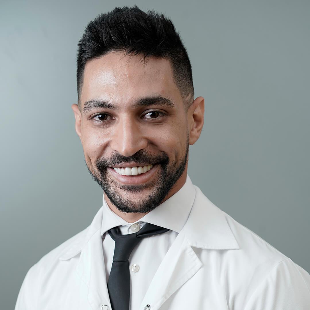 Dr. Ahmed Abazid Dental Clinic in Dubai - Cosmetic Dentistry  Dental Surgeon